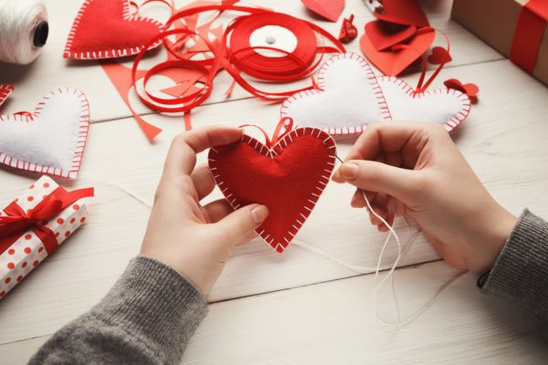 DIY a valentine's gift for your family or friends, follow our valentine's day gift-guide for 2020.